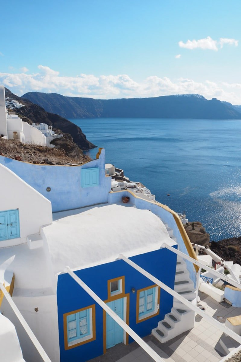 Santorini's shades of blue • The Petite Wanderess