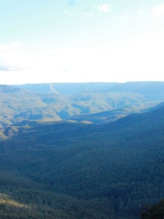 Blue Mountains • The Petite Wanderess