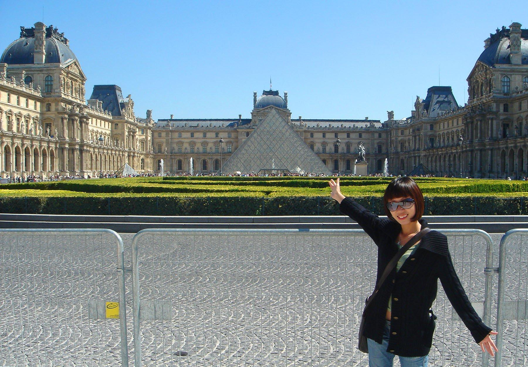Louvre Museum, Paris • The Petite Wanderess
