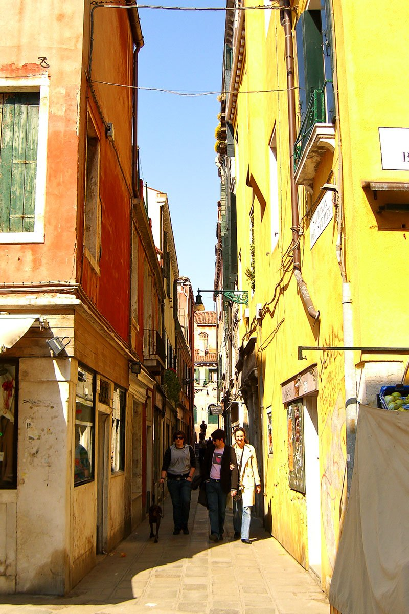 Things to Do in Venice: Get Lost in Back Alleys
