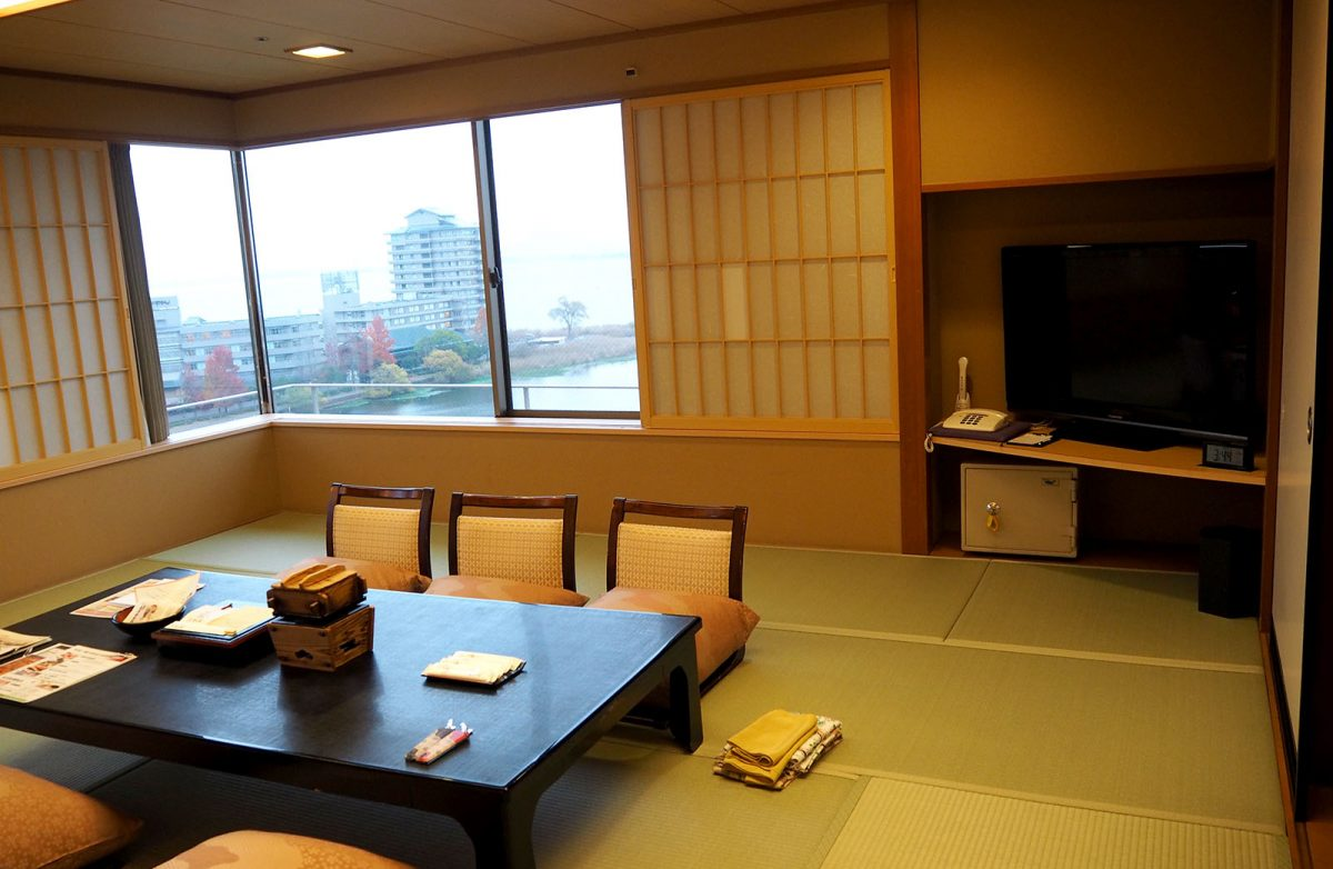 ryokan room | Staying at Yumotokan Onsen Ryokan in Kyoto • The Petite Wanderess