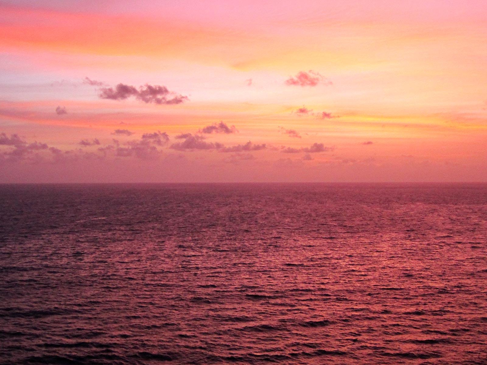 bali-sunset-uluwatu