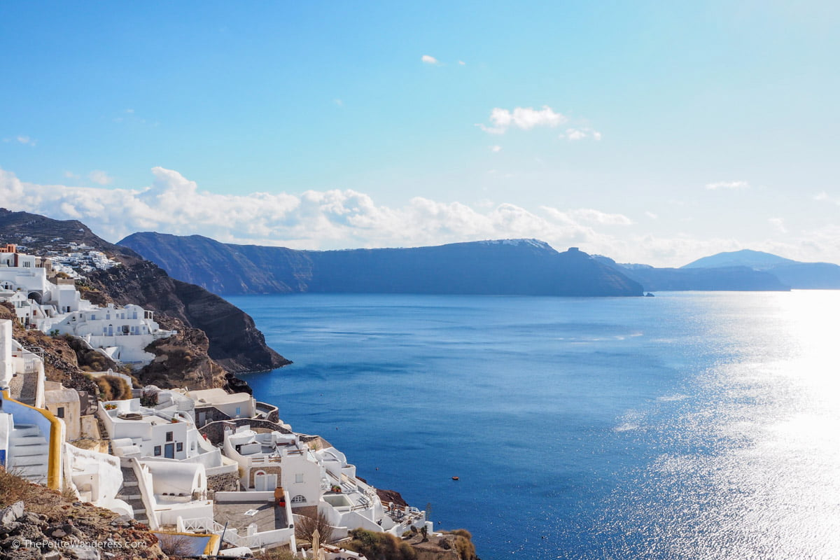 Oia caldera view | Santorini in shades of blue & white • The Petite Wanderess