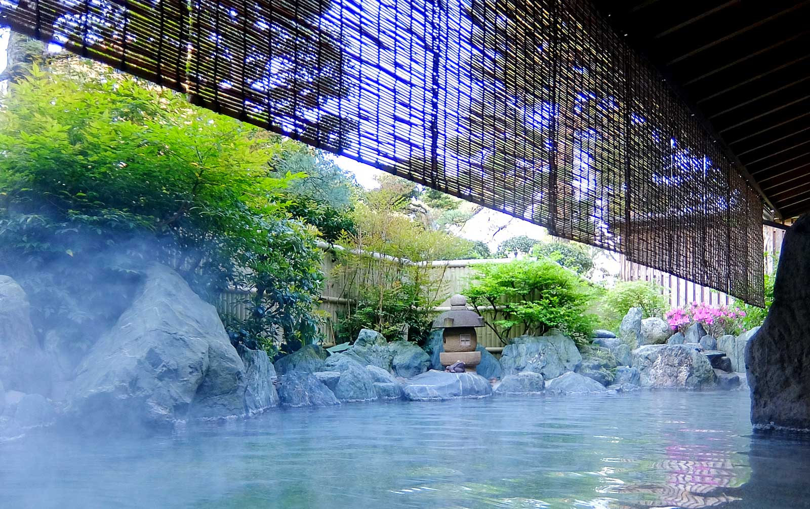 How to Use Onsen in Japan • The Petite Wanderess
