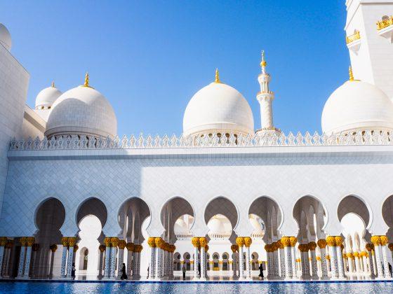 Sheikh Zayed Grand Mosque, Abu Dhabi • The Petite Wanderess