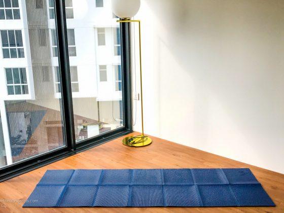 opened Khataland Yofomat travel yoga mat | The Petite Wanderess