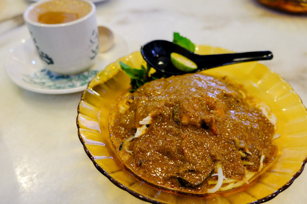 curry noodles | Why Ipoh (Malaysia) is worth a getaway trip • The Petite Wanderess